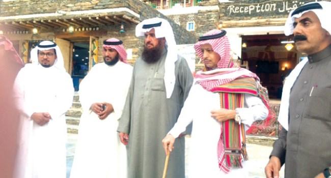 زيارة الموسوعة العالمية كيوبيديا لقرية رجال ألمع ب(محافظة رجال ألمع)