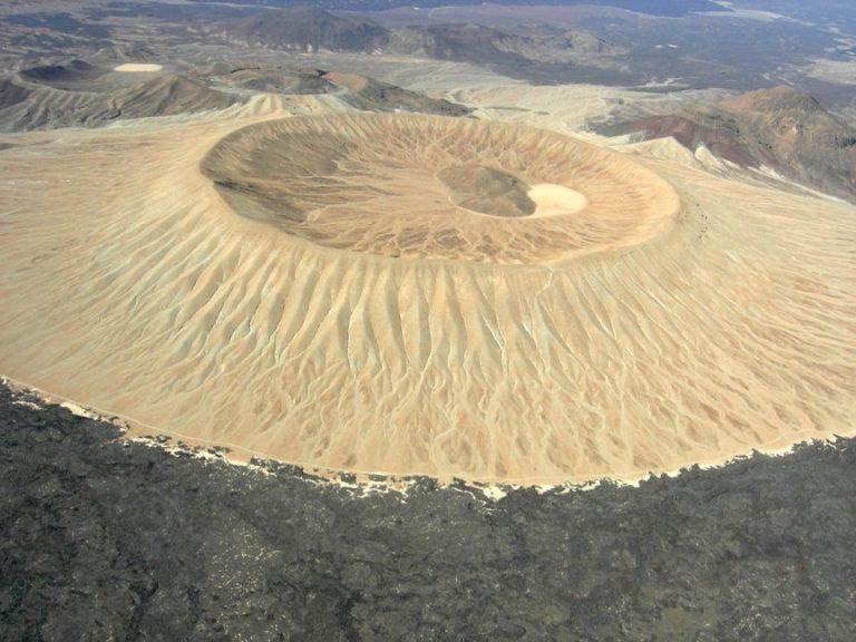 نتيجة بحث الصور عن بركان الجبل الأبيض في السعودية
