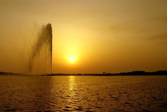 حقائق  عن نافورة الملك فهد
